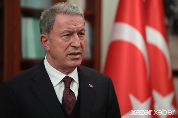 Türkiyənin müdafiə naziri: Azərbaycanlı qardaşlarımızın yanında olacağıq